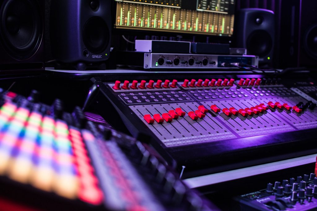 Jules Dickens music production course London